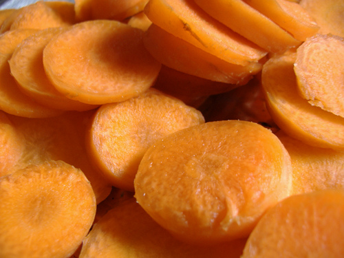 Dehydrated Foods: How to Dry Sliced Carrots in Your Oven