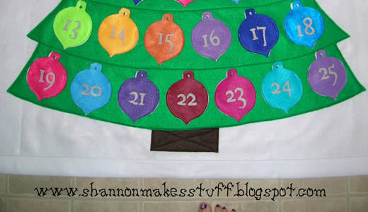 Felt Advent Calendar by Shannon Makes Stuff