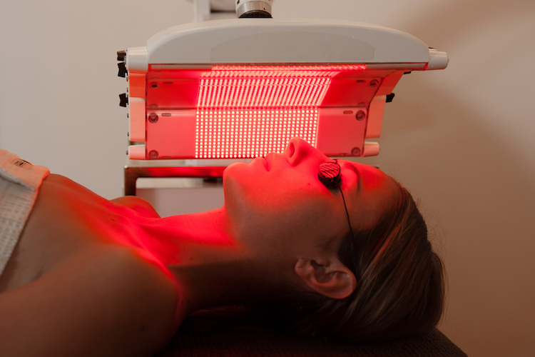 red light therapy session